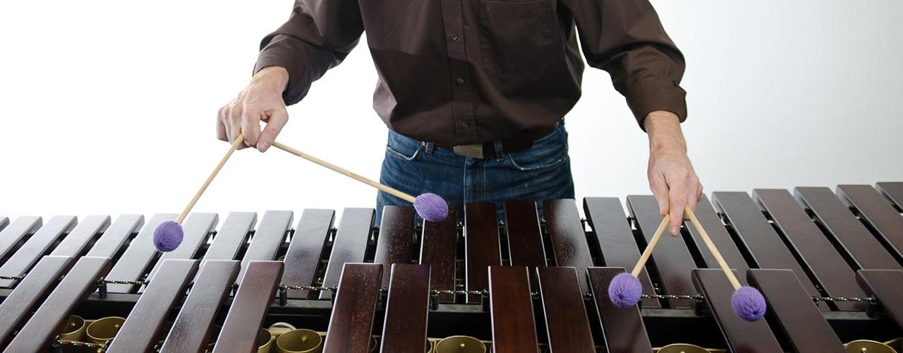 Manfred Menke · Marimba mit vier Schlägeln