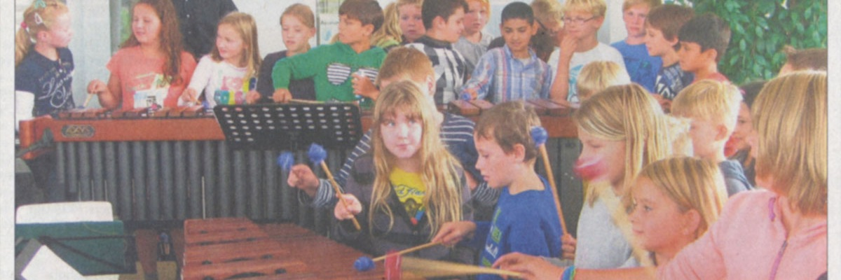 Ein Schulkonzert mit vier Marimbas